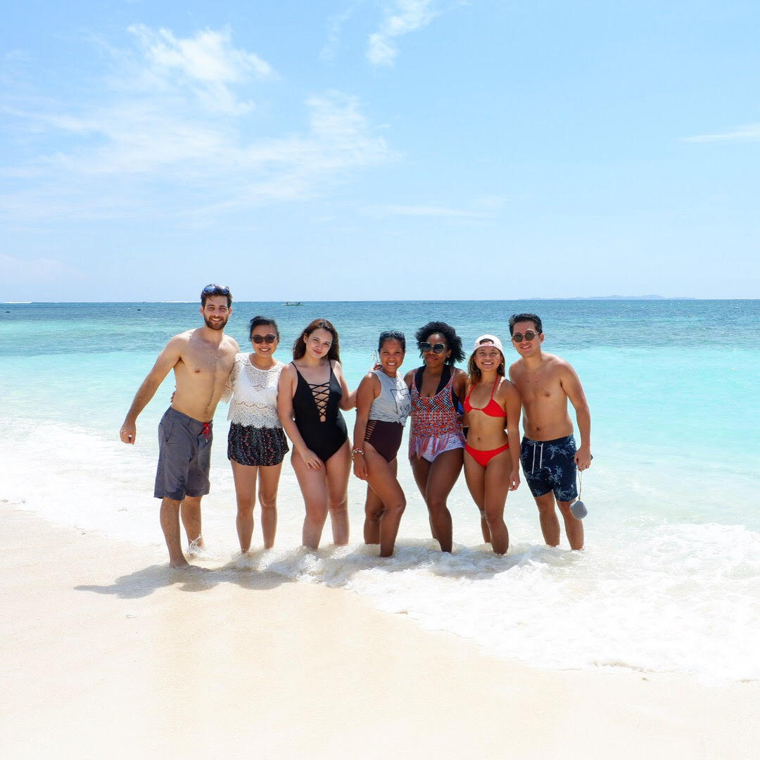group pic in Siargao
